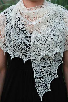 Ravelry: Fragaria Lace Shawl by Alina Appasov