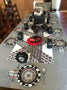 CUSTOM printed Tire Tracks Gift Wrap: Monster Truck Party. This gift wrap makes an AMAZING table runner with paper so thick you can use it again and again. Festa Monster Truck, Monster Trucks, Monster Truck Birthday, Monster Jam, Nascar Party, Race Car Party, Motocross Birthday Party, Race Cars, Dirt Bike Party