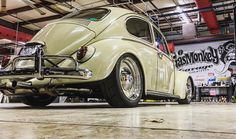 Classic VW - Gas Monkey Garage and Airkewld collaborate on Fast N Loud - http://www.airkewld.info/images/Airkewld%20Fast%20N%20Loud%20Colab%202017.mp4