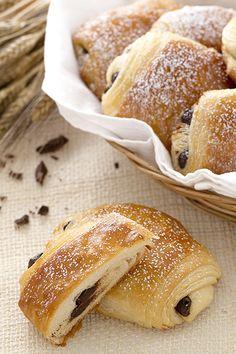 I saccottini italiani, il pain au chocolat francese.
