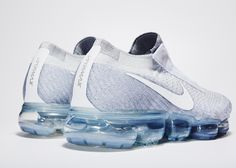 Debuted on the Paris runway, Nike VaporMax for COMME des GARÇONS will release in early 2017. Jordans Sneakers, Air Jordans, Basketball Shoes