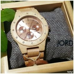 Look at these beautiful Wood Watches by JORD! They match up perfectly with just about any outfit! #fashion #JordWatch Jord-Watch-2015