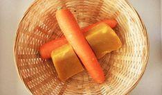 Săpunul pe bază de morcov şi miere combină proprietăţile acestor două ingrediente, pentru a crea un săpun excelent pentru pielea feței, dar şi pentru corp. Handmade Cosmetics, Soap Recipes, Soap Making, Home Remedies, Carrots, Vegetables, Health, Food, Tattoos