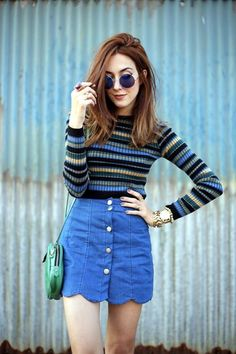 Sweater + skirt? Yes you can, and it's 90s-licious!