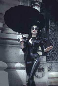 Tatiana D'Andrea – Marie Devilreux • Dark Beauty