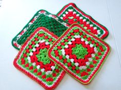 Hey, I found this really awesome Etsy listing at https://www.etsy.com/listing/479197573/vintage-christmas-crochet-red-green