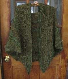 A simple shawl that is all knit stitch. It is perfect for knitting while watching TV and/or reading and catching up on the posts in you favorite Ravelry forum group. ravelry Herb Garden Shawl pattern by Nettie DiLorenzo Easy Knitting, Knitting Stitches, Knitting Patterns Free, Knitting Yarn, Simple Knitting Projects, Free Pattern, Knit Shrug, Knitted Poncho, Knitted Shawls