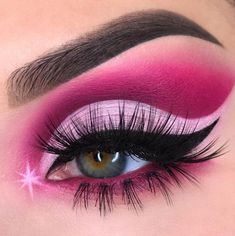 Pink sparkles rosebaby pink crease eyemakeup gorgeous sparkly makeup Dare to recreate .lets get inspired to recreate/create and glow effortlessly Cute Eye Makeup, Pink Eye Makeup, Creative Eye Makeup, Makeup Eye Looks, Beautiful Eye Makeup, Colorful Eye Makeup, Eye Makeup Art, Crazy Makeup, Eyeshadow Makeup