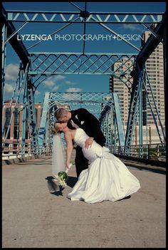 Kaitie + Garrett // Grand Rapids Blue Bridge // Grand Rapids Wedding Photography // Lyzenga Photography+Design // www.lyzengaphotography.com/2012/09/14/kaitie-garrett-grand-rapids-wedding-photography/