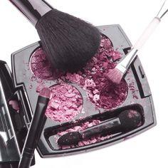 Votre make-up est tombé ? Plutôt que de le jeter, apprenez à réparer le maquillage cassé !
