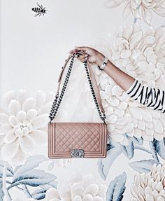 Chanel arrive chez Leasy Luxe. www.leasyluxe.com #chanel #itbag #leasyluxe