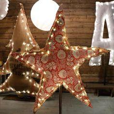 Apres le sapin, l'étoile lumineuse.superbe pièce à retrouver lors de la vente éphémère #venteephemere #star #Etoiles #decoathome #athome #photooftheday #larmoiredecamille