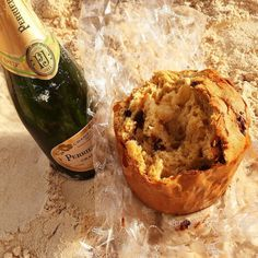 Panettone and champagne...the perfect accompaniment to Christmas on the beach!  Tear off a chunk of panettone dip in the sparkling champagne...magic.  #biteofbermuda #bermuda #bermudafood #sipofbermuda #panettone #champagne #christmas #christmasday #elbowbeach #lovemybermuda #sharemybermuda #wearebda #eeeeeats #holidays #holidaycheer #f52grams #food