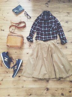 tops/nano・universe・ skirt/apart by lowrys・ bag/HERZ・ shoes/new balance