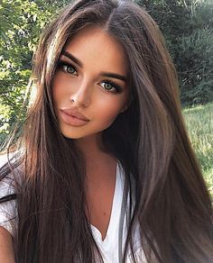 hair beauty - Gorgeous Hair Color Idea That Will Inspire You Love this look > NaturalLooking hairstyles haircolor hair brownhair Brunette Beauty, Brunette Hair, Brunette Makeup, Pretty Girls Brunette, Perfect Brunette, Stunning Brunette, Blonde Wig, Short Blonde, Beauty Makeup