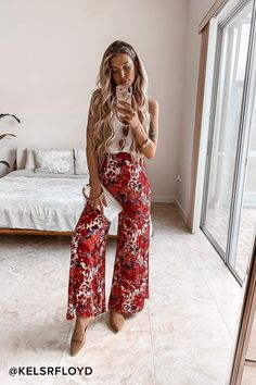 Late Night Red Floral Print Wide-Leg Pants Free People Late Night & Red Floral Print Wide-Leg Pants The post Late Night Red Floral Print Wide-Leg Pants & Hosen appeared first on Free . Casual Wedding Outfit Guest, Wedding Guest Pants, Wedding Outfits, Trendy Clothes For Women, Casual Dresses For Women, Boho Outfits, Spring Outfits, Grunge Outfits, Classy Outfits