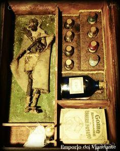 ELFUS SILVANUM La mummia di questo elfo silvano e stata trovata in una tomba a tumulo, in una torbiera. Appoggiata su di una nicchia nella roccia, era stata sepolta con 4 umani, o per lo meno così pare dai racconti del dottore.  Il buon vecchio Dig, non era digiuno in arti magiche, probabilmente apprese in qualche suo viaggio in Egitto, ci ha lasciato un kit per resuscitare questo simpatico elfo millenario, che molto probabilmente no sarà affatto felice di essere stato risvegliato.