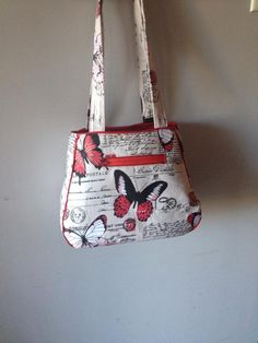 ETHEL BY SWOON - A roomy, sturdy and stylish take on a modern tote bag! Can have one long shoulder strap or 2 side handles. Can also be made with side and bottom contrasting materials or vinyl.