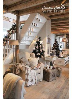 Attic Stair Option? Open At The Bottom! White Living: Country Cottage  ähnliche Projekte Und Ideen Wie Im Bild Vorgestellt Findest Du Auch In  Unserem Magazin
