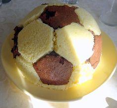 gateau d'anniversaire, ballon de foot----tuto inside-----recette easy football cake recipe birthday cake 9 ans---9 years-old boy