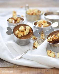 Schoko-Mousse-Pudding mit Karamell-Popcorn und Toffee-Sauce   Das Knusperstübchen