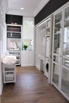 Structured laundry room