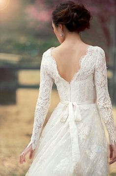 Image via We Heart It #ballgown #boho #bridal #bride #classic #Couture #dreamy #dress #elegant #fairytale #fashionshoot #hipster #indie #inspiration #lace #photography #princess #Prom #simple #style #timeless #vintage #wedding #weddingdress #weddinggown #white #wonderland #bohochic