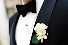 Imagem de flowers, groom, and suit