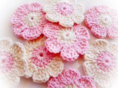 Pink and White Crochet Flowersset of 8 by mariamanuel on Etsy, $6.50