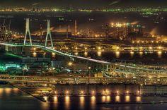湾岸線と工場