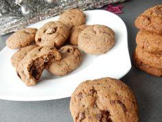 Recept na cookies sušenky plné čokolády. Odzkoušený recept na ty nejlepší čokoládové cookies sušenky. Recept na skvělé sušenky s čokoládou Sweet Recipes, Cake Recipes, Food And Drink, Cookies, Crack Crackers, Easy Cake Recipes, Biscuits, Cookie Recipes, Cookie