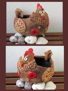 Fotogalerie :: Keramika DagmarRa Clay Pot Crafts, Polymer Clay Crafts, Diy And Crafts, Ceramic Animals, Clay Animals, Ceramic Chicken, Egg Decorating, Pottery Studio, Air Dry Clay