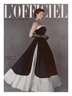 L'Officiel-December 1950 Model Bettina Graziani is wearing a Creation of Jacques Fath and photographed by Portier.French Fashion Magazine:L'Officiel,December Jacques Fath, Moda Retro, Moda Vintage, Vintage Mode, Vintage Dior, Vintage Hats, 1950 Style, Fifties Fashion, Retro Fashion