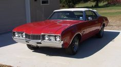 1968 Oldsmobile Cutlass Convertible 350 CI, Automatic presented as lot T160 at Houston, TX