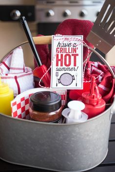 20 DIY gift baskets for men that you can use as inspiration to give your guy the perfect gift. Customize & personalize these gift baskets however you want! Surprise Gifts For Him, Bday Gifts For Him, Thoughtful Gifts For Him, Romantic Gifts For Him, Anniversary Gifts For Him, Gift Baskets For Him, Diy Gift Baskets, Christmas Gift Baskets, Raffle Baskets