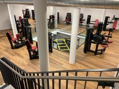Standort Wien 10. Hauptbahnhof Solarium, Gym Equipment, Studio, Central Station, Strength Workout, Studios, Workout Equipment