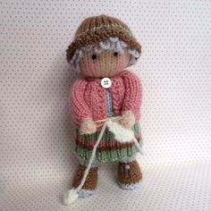 Granny Pearl loves knitting PDF INSTANT DOWNLOAD por dollytime