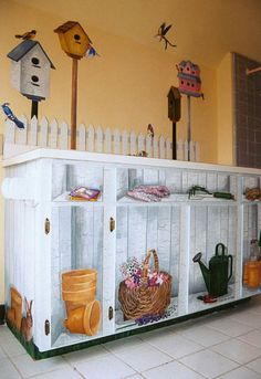french decor potting shed | Potting-shed.jpg (52725 bytes)