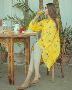 Stylish Dress Designs, Stylish Dresses For Girls, Girls Dresses, Indian Gowns Dresses, Pakistani Wedding Dresses, Cute Girl Poses, Girl Photo Poses, Beautiful Dresses, Nice Dresses