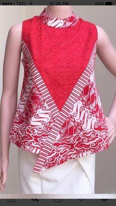 Chaqueta combinada  rojo y estampada Blouse Batik, Batik Dress, Blouse Dress, African Wear, African Fashion, Casual Dresses, Fashion Dresses, Batik Kebaya, Short Frocks