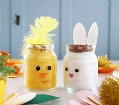 Karse kyllingen (som laves ved at farve vattet med frugtfarve) har fået en ny ven, karse kaninen 🐇🌱… @denkreativesky Diy And Crafts, Crafts For Kids, Art Corner, Diy For Kids, Free Food, Holiday, Christmas, Projects To Try, Easter
