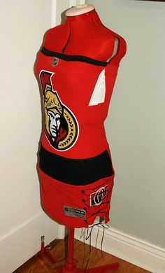 One of the best designed Hockey Jersey's in the world. Go Sens Go. Jersey Dresses, Hockey Teams, Boston Bruins, Ottawa, Things To Buy, Diy Clothes, Sewing Ideas, Canada, Sports