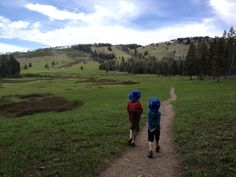 5 Yellowstone hikes for kids and families