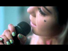 ▶ Marina And The Diamonds - Primadonna[Acoustic] - YouTube