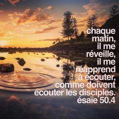 «Le Seigneur Dieu m'a enseigné ce que je dois dire, pour que je sache avec quels mots je soutiendrai celui qui faiblit. Chaque matin, il me réveille, il me réapprend à écouter, comme doivent écouter les disciples.» Ésaïe 50.4 . . #quoidneufpasteur #versetdujour #bible #topchretien #verset #versetsbibliques #disciple #ecoute Sola Scriptura, Jesus, French Language, Faith, Facebook, Bible Quotes, Handsome Quotes, Thank You Jesus, God Is Good
