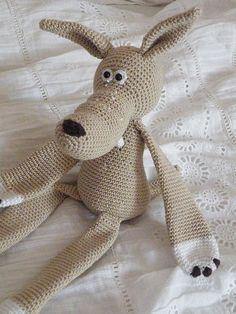 crochet wolf by @pfiffigste  http://www.pfiffigste.de/Amigurumi/Maerchenwolf-mit-VZ.html