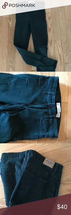 Green Abercrombie high waisted size 2 jegging Never worn size 2 jeans. Gorgeous color. High waisted Abercrombie & Fitch Jeans