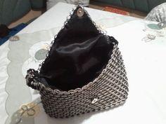 tasche aus dosenverschluss gef delt. Black Bedroom Furniture Sets. Home Design Ideas