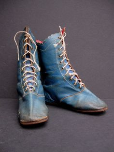 RARE PAIR EARLY 19TH CENTURY CHILD'S BLUE LEATHER BOOTS SHOES 1830s 1840s RED