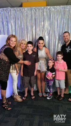 Meet & Greet before the Tampa Bay Times Forum show in Tampa, USA - 06.30 [HQ] - BreNLzMCIAAaxyg - Katy Perry Brasil Photo Gallery